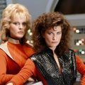 "Classic 1980s TV show ""V"" will be a movie trilogy"