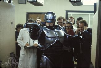 "Neill Blomkamp will direct a sequel of original ""RoboCop"""
