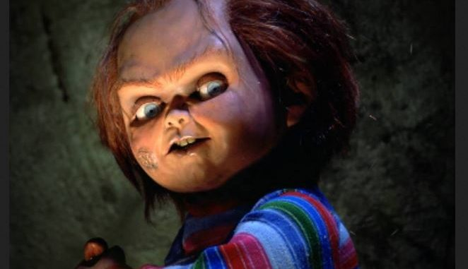 """Chucky wishes you Merry Christmas with the postcards and motion poster of the """"Child's Play"""" reboot"""