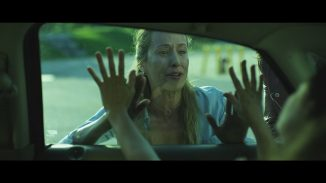 """A young woman has to face a horde of zombies in """"Strain 100"""""""