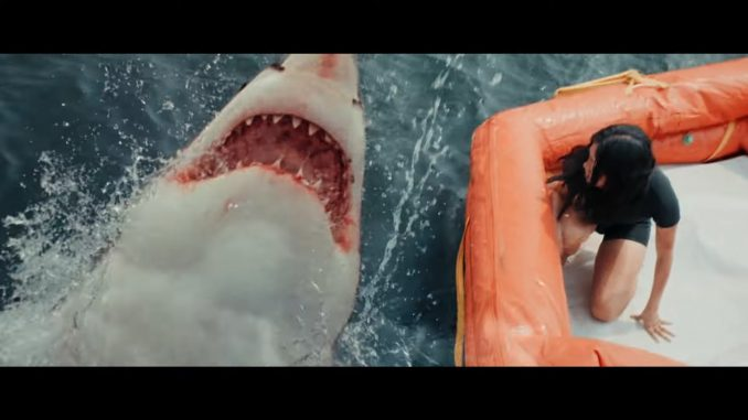 """5 people are stranded surrounded by sharks in """"Great White"""""""
