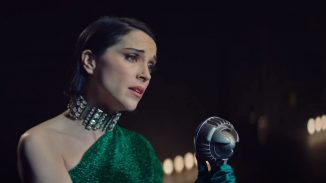 """Surreal mockumentary """"The Nowhere Inn"""" starring St. Vincent is out this week"""